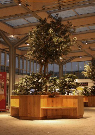 Vernieuwde sfeer Winkelcentrum Hoge Vucht