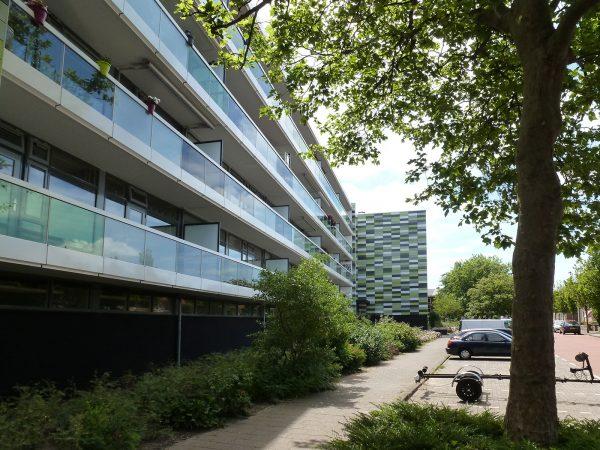 Nieuwe situatie galerij gevel flats Poeldijk